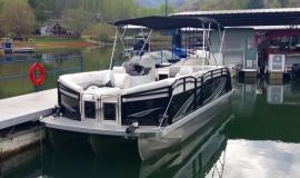 2017 22' Sport Pontoon Rental Boat Suzuki 140 - 2