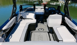 Axis-T22-Wakeboard-Boat-Rental-6