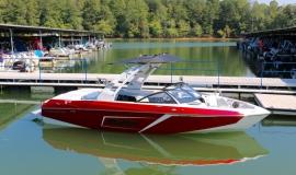 Malibu-23-LSV-Wakeboard-Boat-Rental-3