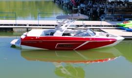 Malibu-23-LSV-Wakeboard-Boat-Rental-4