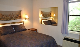 lakeside-guest-room-vacation-rentals
