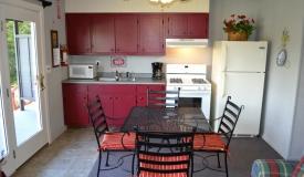 waterfront-vacation-rental-kitchen
