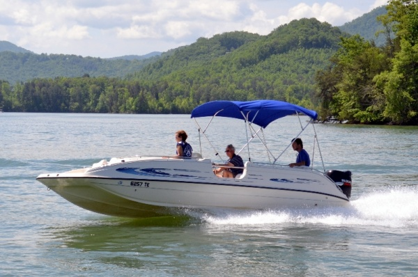 Deck boat rental on Lake Chatuge