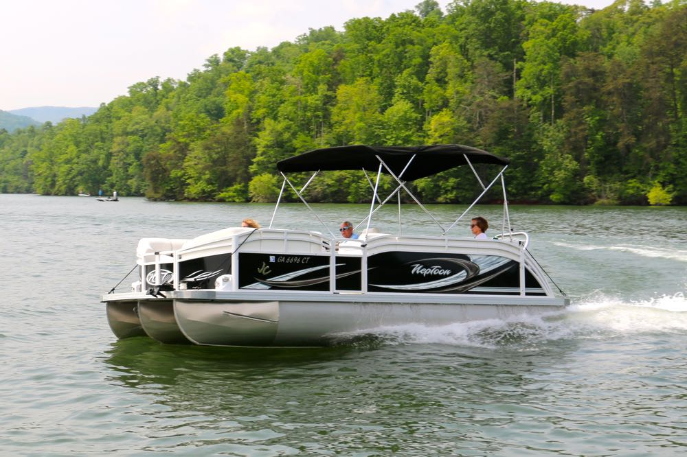 sport pontoon boat rentals on lake chatuge in hiawassee ga