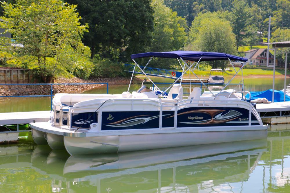 JC pontoon neptoon sport 23TT TriToon w/ new Companion seating -