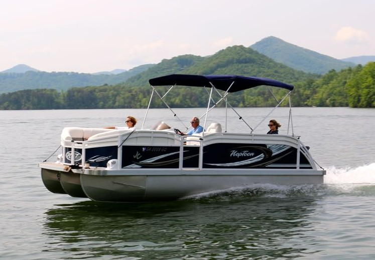 pontoon boat rentals with boundary waters marina on lake chatuge in hiawassee north georgia