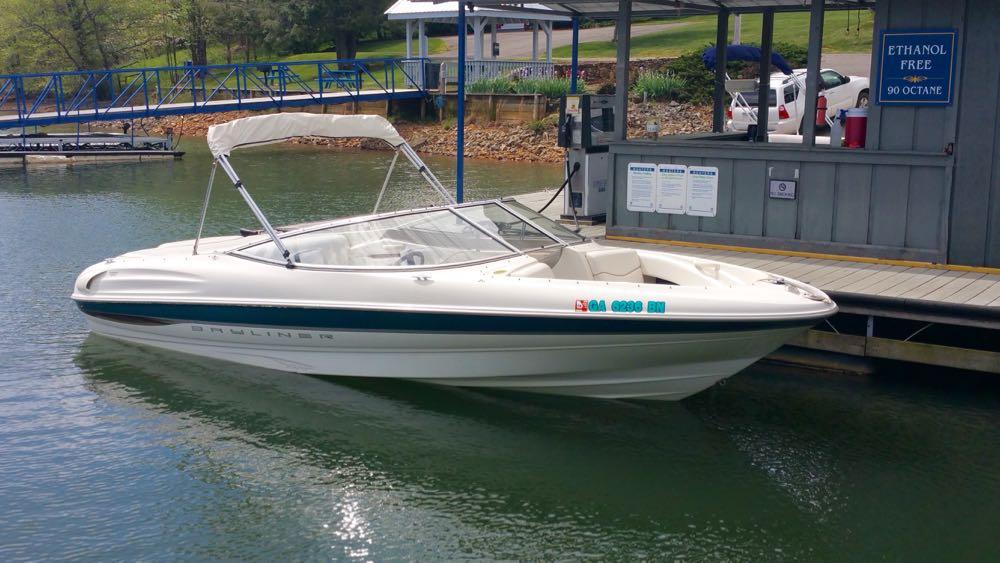 Bayliner bowrider ski boat for sale
