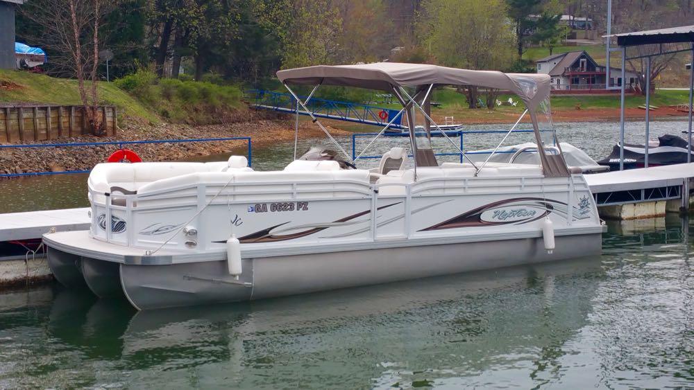 2011 JC Tritoon pontoon boat suzuki 140