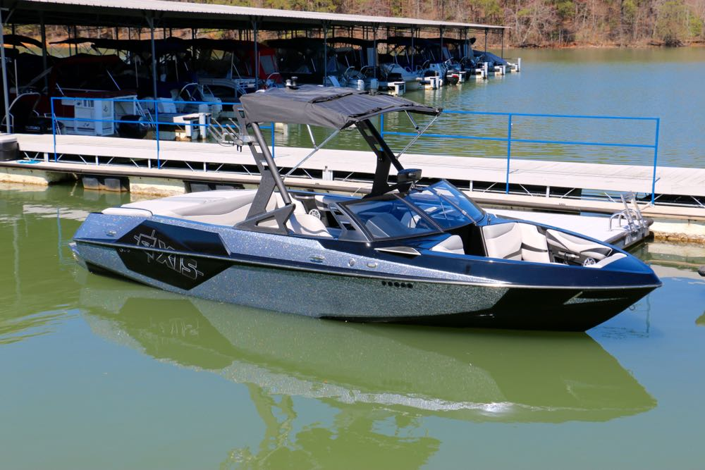 Axis T22 Wakeboard Boat Rental - 1